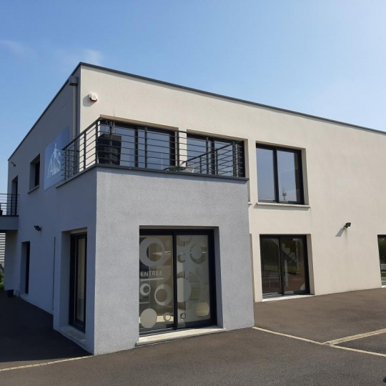 STEPHANE BLOT TRANSACTION : Immeuble | DOUVRES-LA-DELIVRANDE (14440) | 350.00m2 | 2 600 €